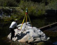 KARL SURVEYING STAGE AT SANDDRIFSKLOOF RIVER, DE DOORNS
